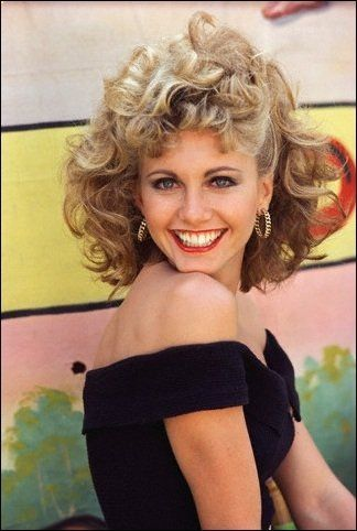 Q16 ELO collaborated with which female singer to get a 1980 number 1 with Xanadu? Olivia Newton John