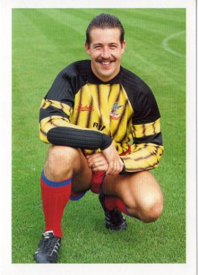 Q28 In 1989 who became the first goalkeeper to be sold for 1 million pounds? And for a bonus point which club bought him for the record fee? Nigel Martyn was signed by Crystal Palace from Bristol Rovers
