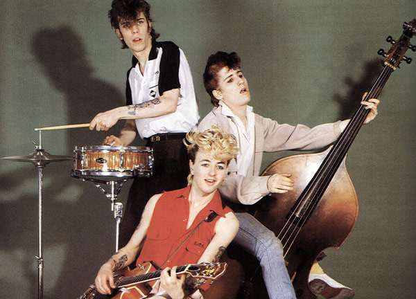 Q19 Brian Setzer, Lee Rocker and Slim Jim Phantom were the founding members of which early eighties (rockabilly) group? Stray Cats