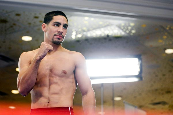 Q25 Which boxer recently revealed the reason he has never been knocked down in the ring is because he has six toes on his right foot?Danny Garcia