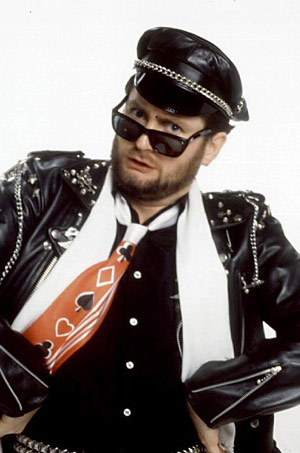 Q15 Snot Rap was a Top Ten hit for which zany former DJ in March 1983? Kenny Everett