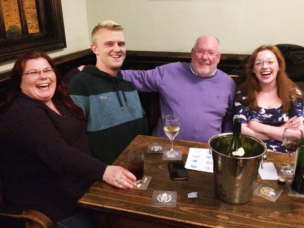 Winners for the second week in a row, were chuffed with their food vouchers. They will be back next week trying for the money though! (Hodgie had buggered off by the time we took the pic so can you tell he's been 'seamlessly' Photoshopped into the image?)