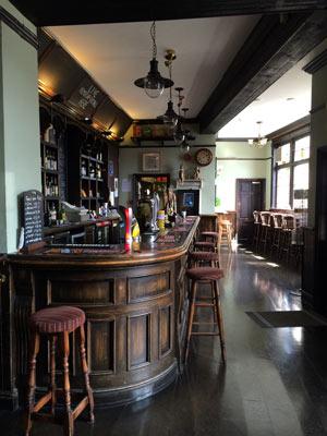 Colly-Bar-2.jpg