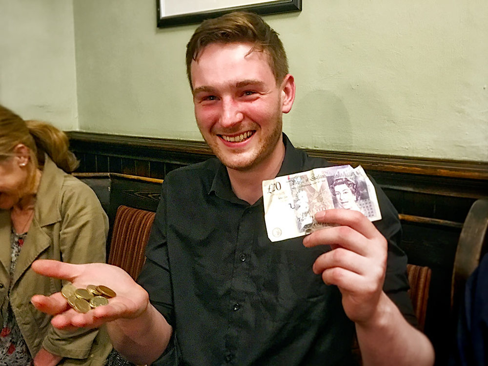 Robert only managed half of the Quiz as he didn't arrive till the Sports Round but it was well worth turning out as he won the £26 Wild Card!