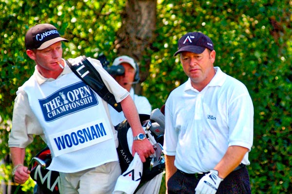 Q29. Which golfer famously began the final round of the 2001 British Open with 15 clubs in his bag? Ian Woosnam