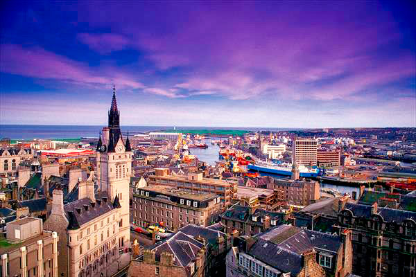 Q03. Which Scottish city is nicknamed the Granite City?