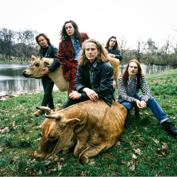 Q18. Which Midlands bands first top ten single was The Size Of A Cow which reached number five in the 1990 UK Charts? The Wonder Stuff