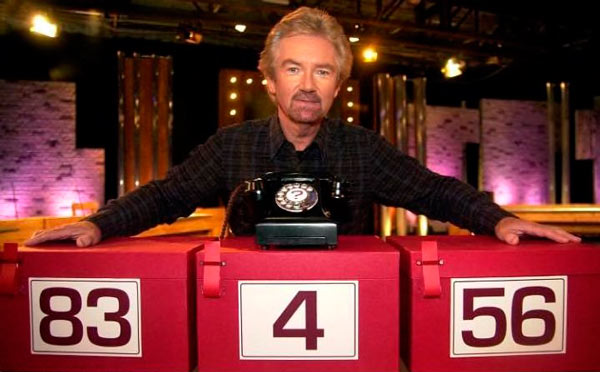 Q33. Who was the presenter of Channel 4s Deal or No Deal quiz show which broadcast it's final show last month? Noel Edmonds