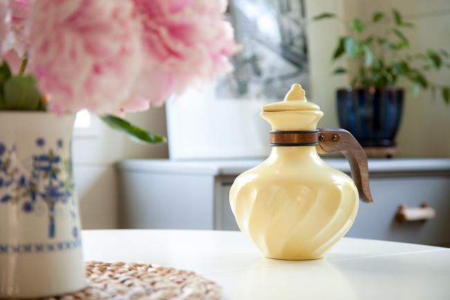Vintage Poppytrail teapot