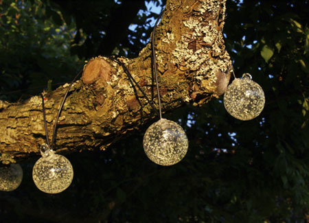 How To String Lights On A Large Outdoor Tree : Solar Powered Outdoor String Lights for the Christmas Holidays The Pretty Life
