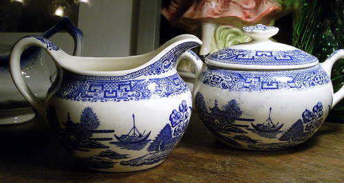Blue Willow Sugar and Cream set.