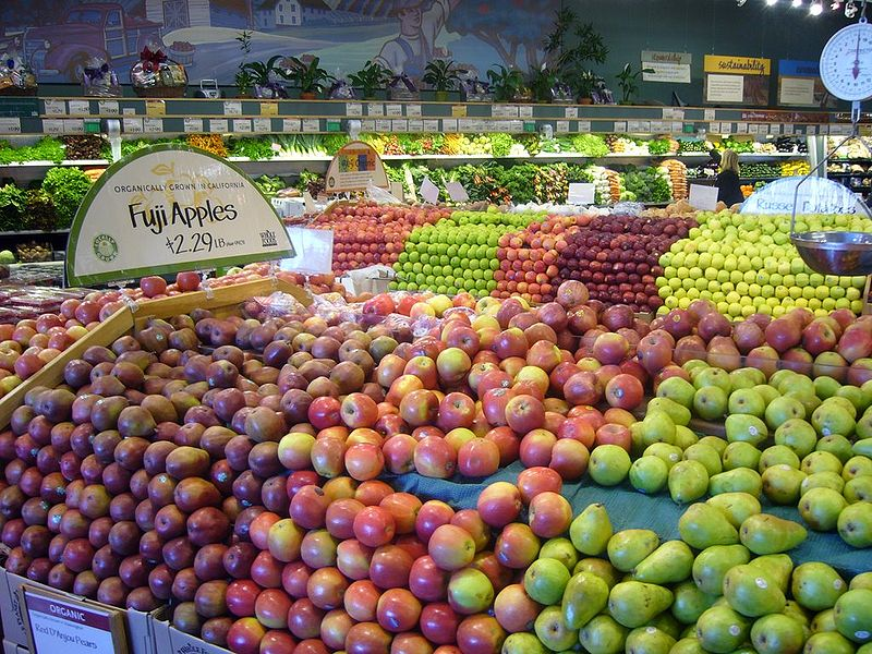 Supermarket apple varieties to choose from - Source: Abrahami, Creative Commons Wikimedia Commons