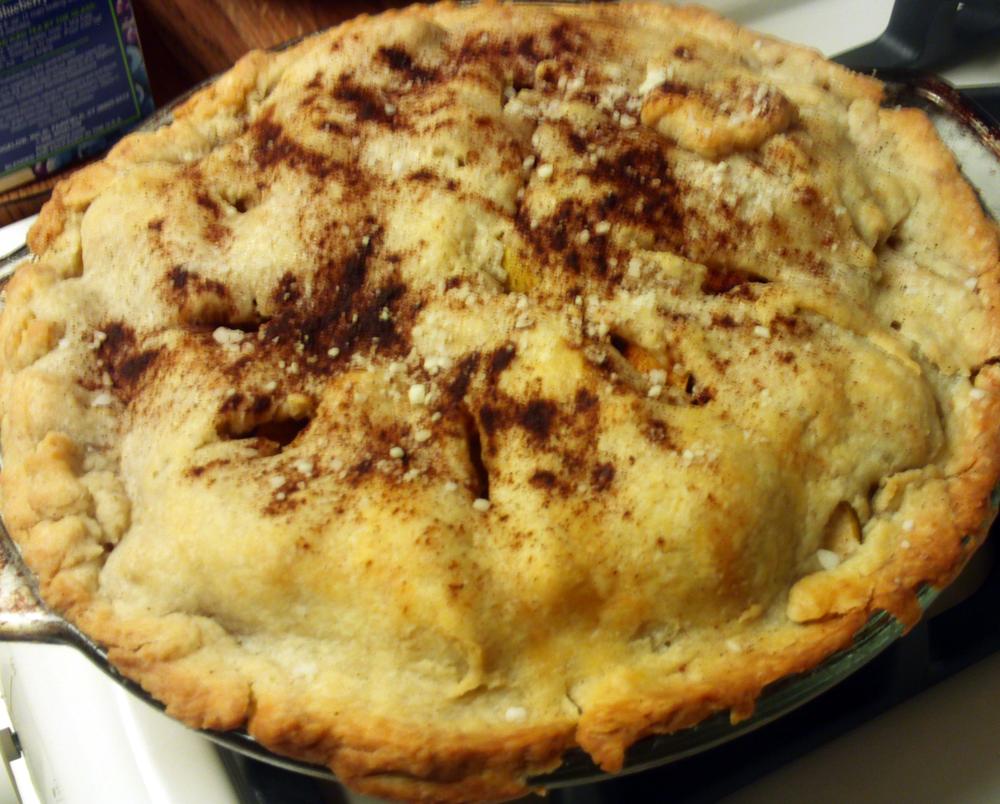 Rustic Apple Pie. Photographer Julia Hanna.