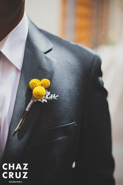 source  Marigold boutonniere. So simple, so Gorge!