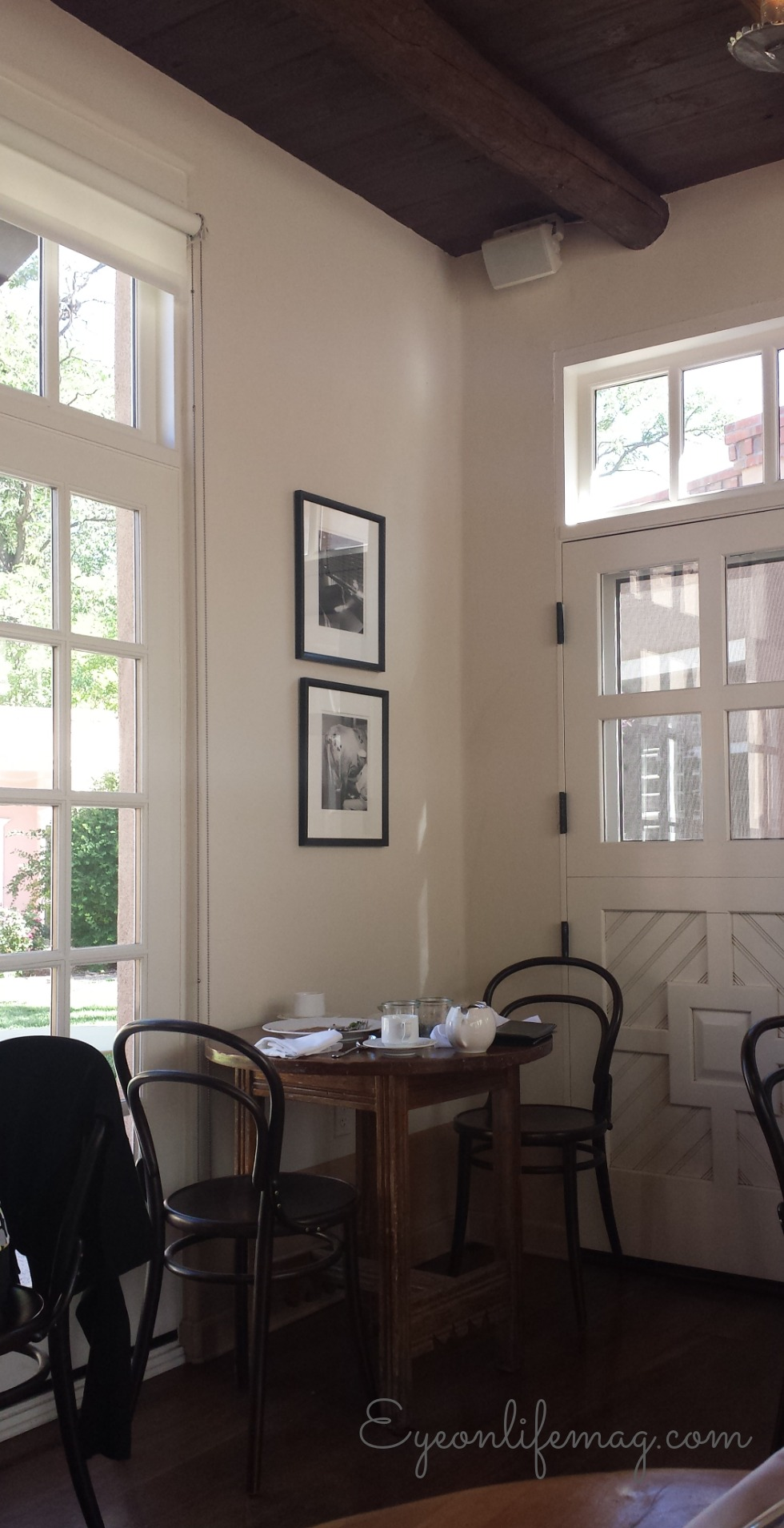 corner table Los Poblanos breakfast.jpg
