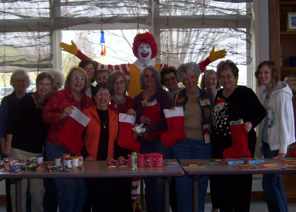 Stocking Stuffing with Ronald 2009 - 2.jpg