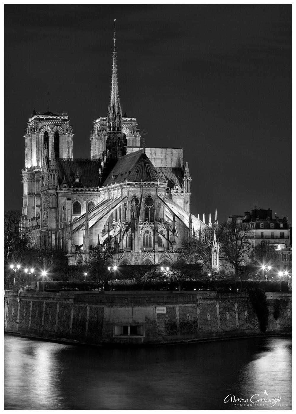 paris_notre_dame_river.jpg