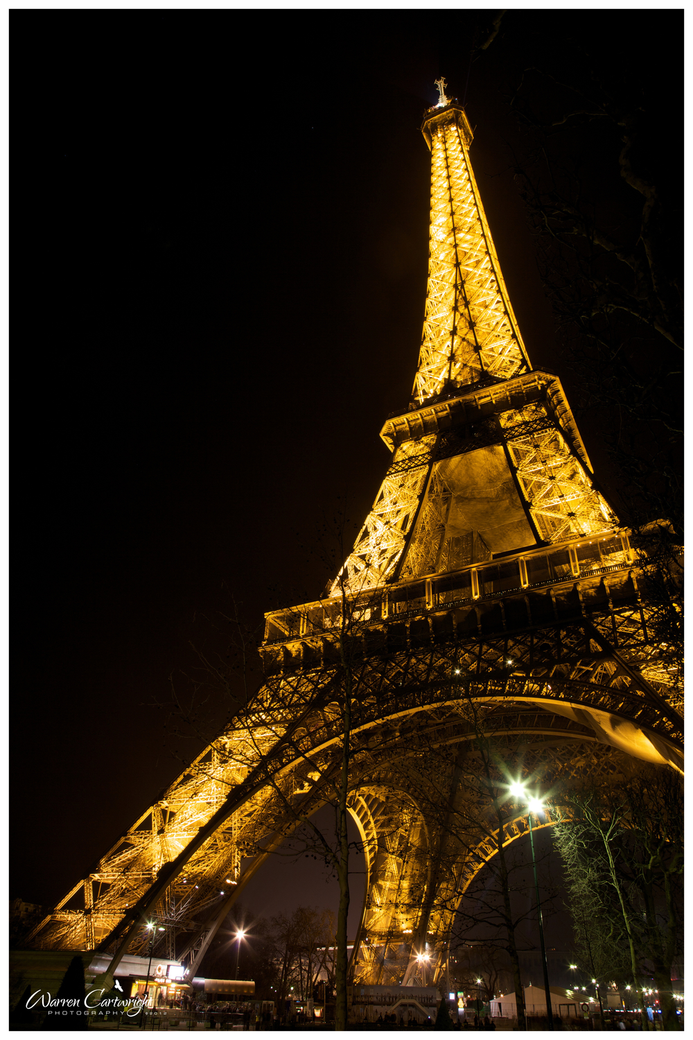 eiffel_tower_night.jpg