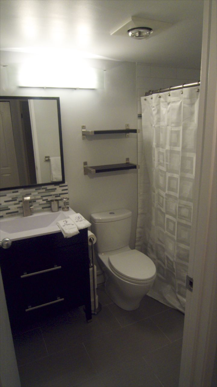 Bathroom  26255.jpg