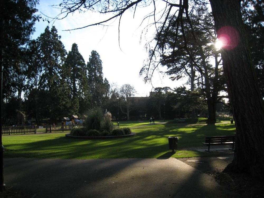08london_alton_garden2.JPG