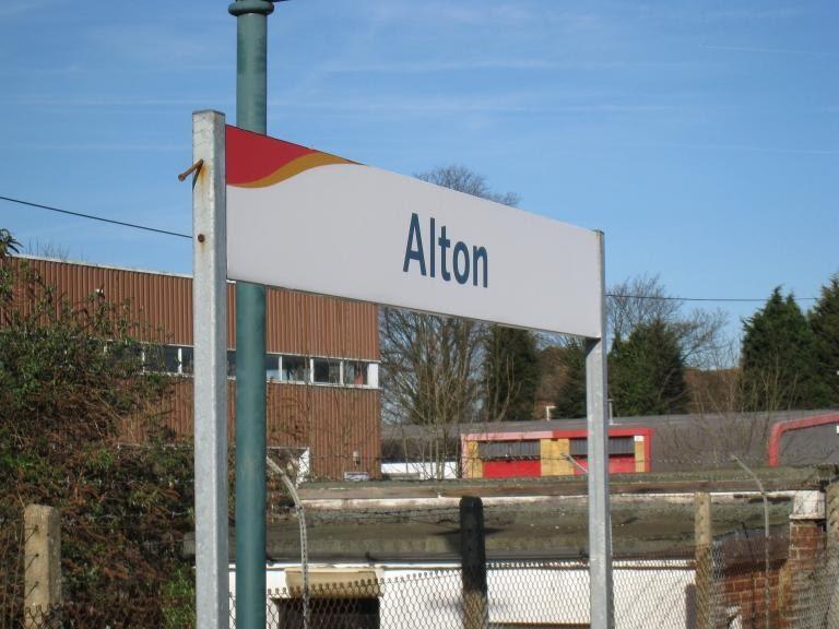 08london_alton_rails.JPG