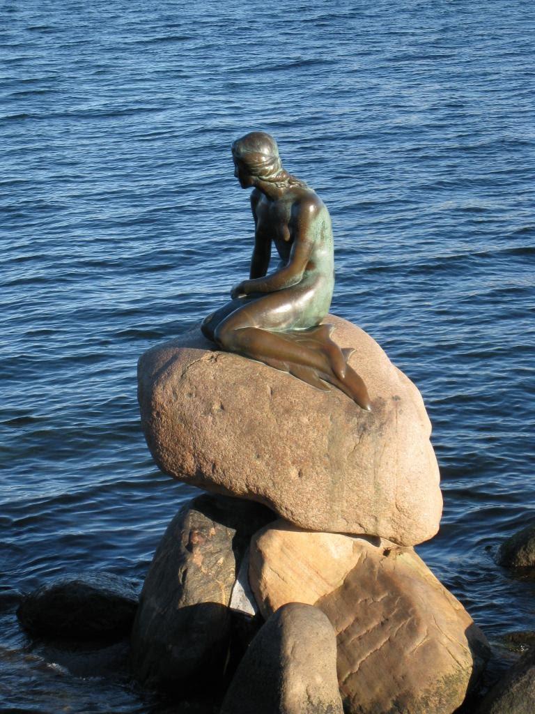 08Copenhagen_mermaid2.JPG