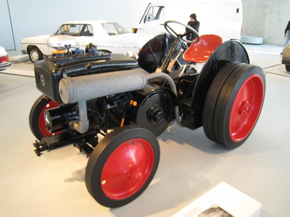 08Stuttgart_tractor.JPG