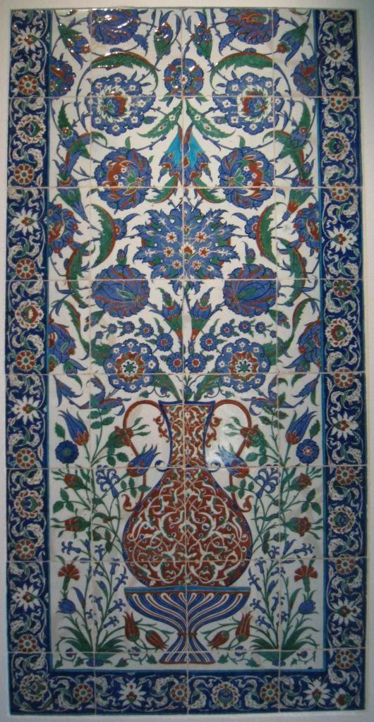 08lisbon_museum_tiles.JPG