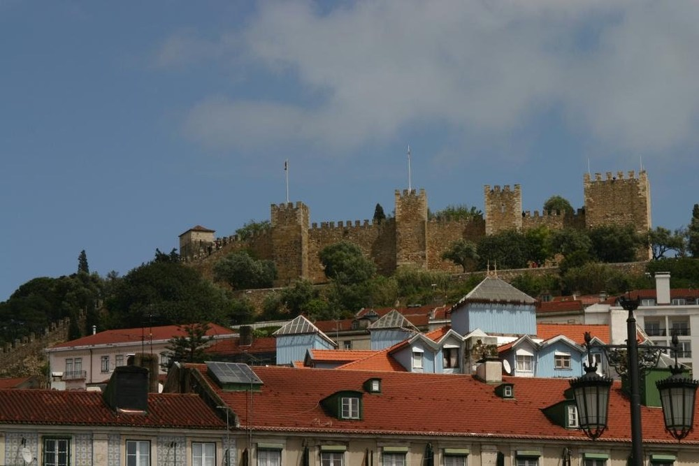 08lisbon_castle.JPG