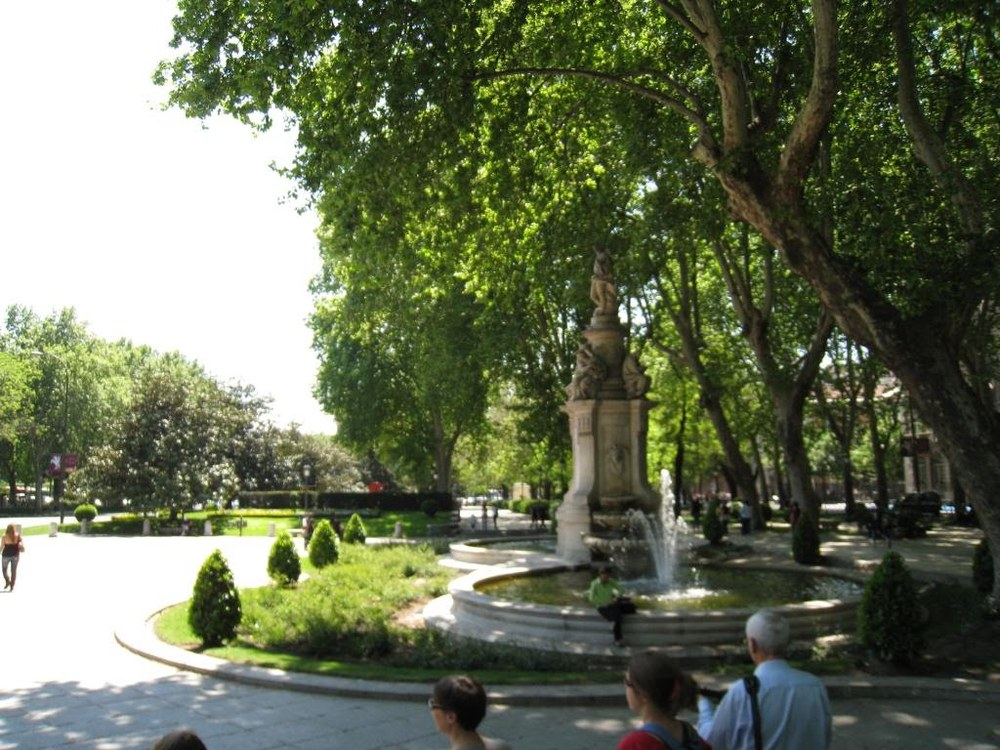Statue on the boulevard of the Paseo del Prado