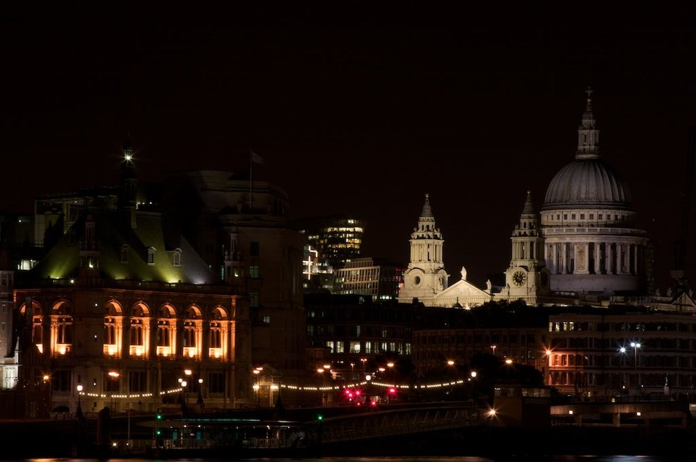 London cityscape, including St. Paul's