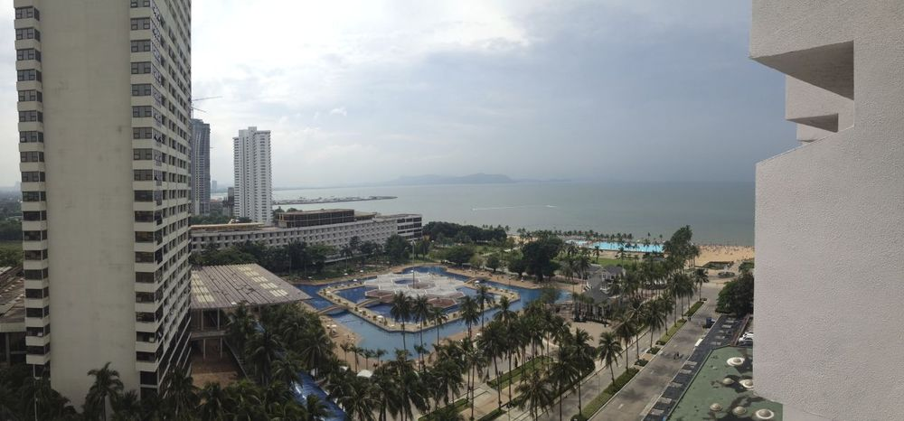 A small panorama from the balcony of my hotel room. From afar, it looks pretty nice.