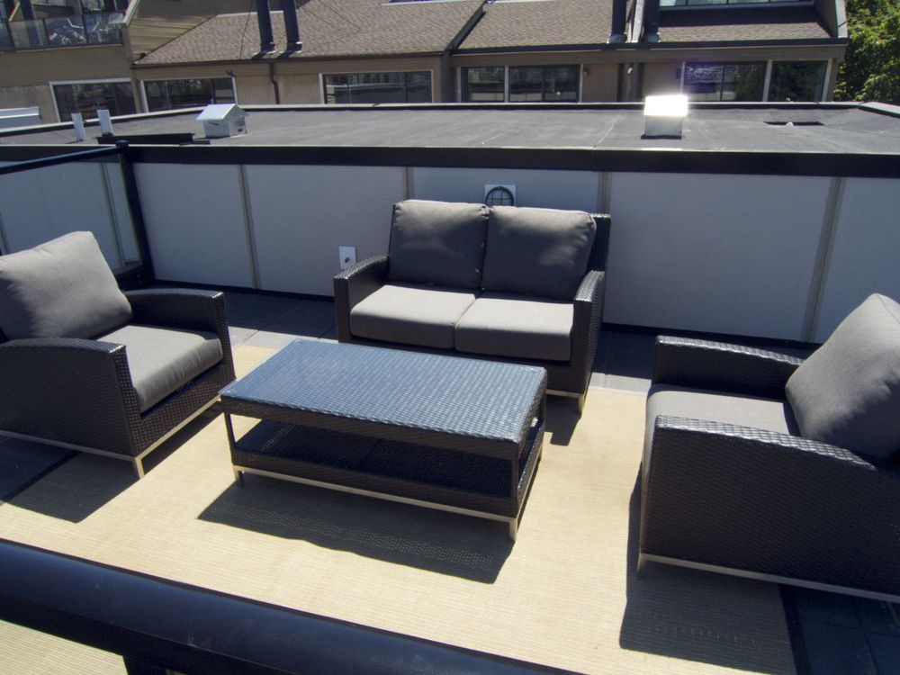 Roof top leisure space