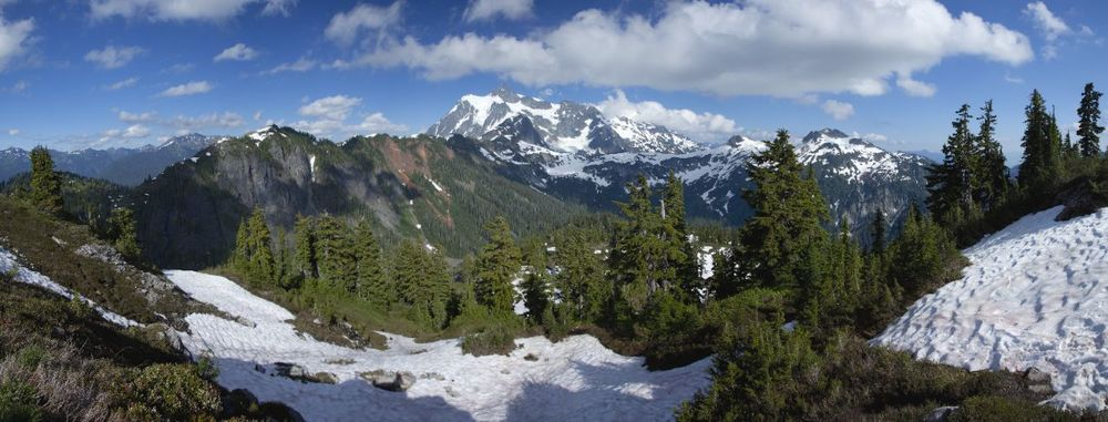 A apnoramic view of the surrounding mountains. Mount Baker's glacier peak is actually behind me.