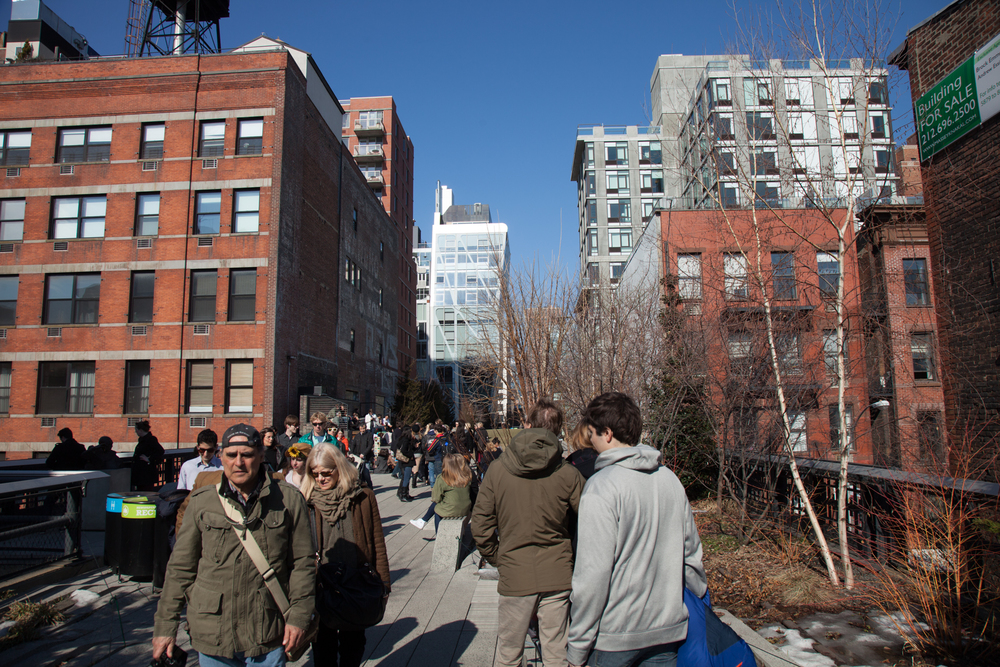 A busy day on the Highline.