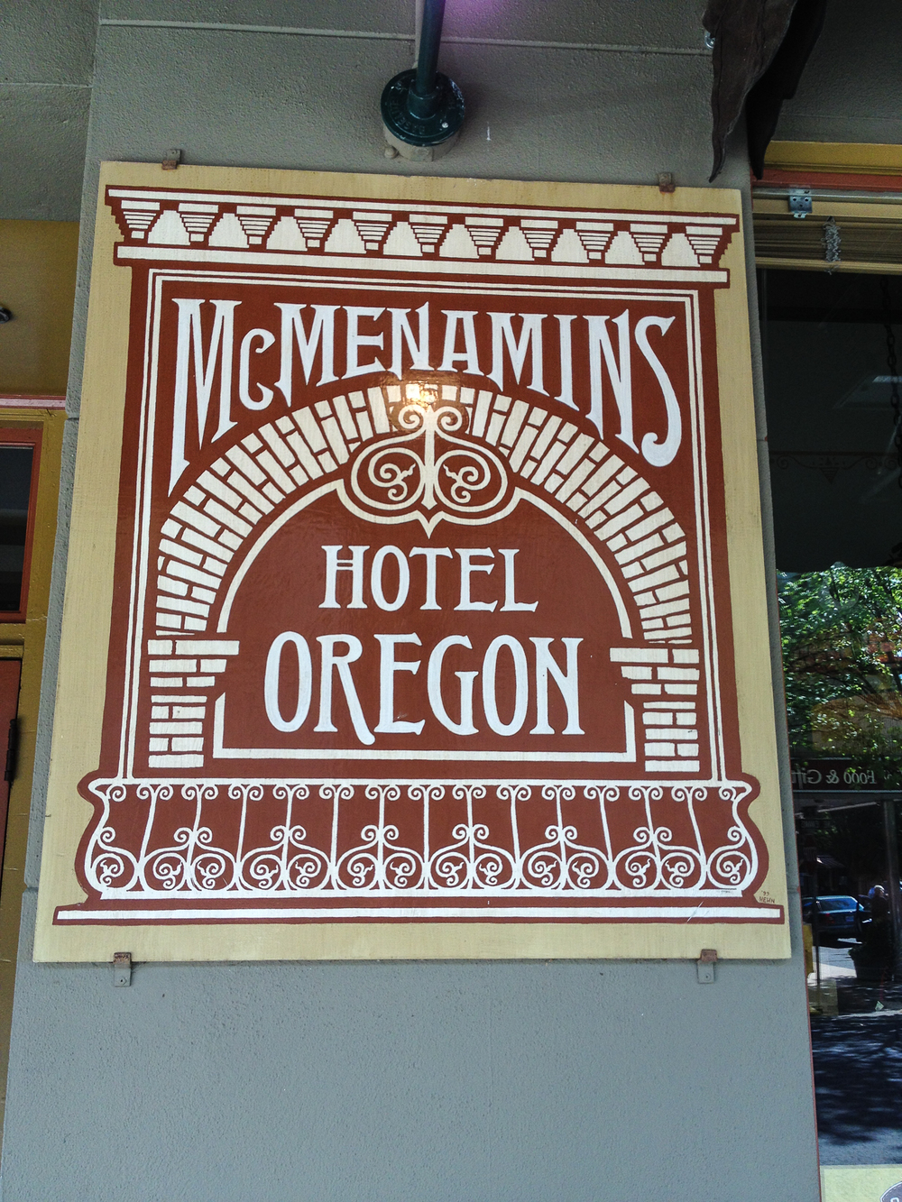 hotel_oregon_sign