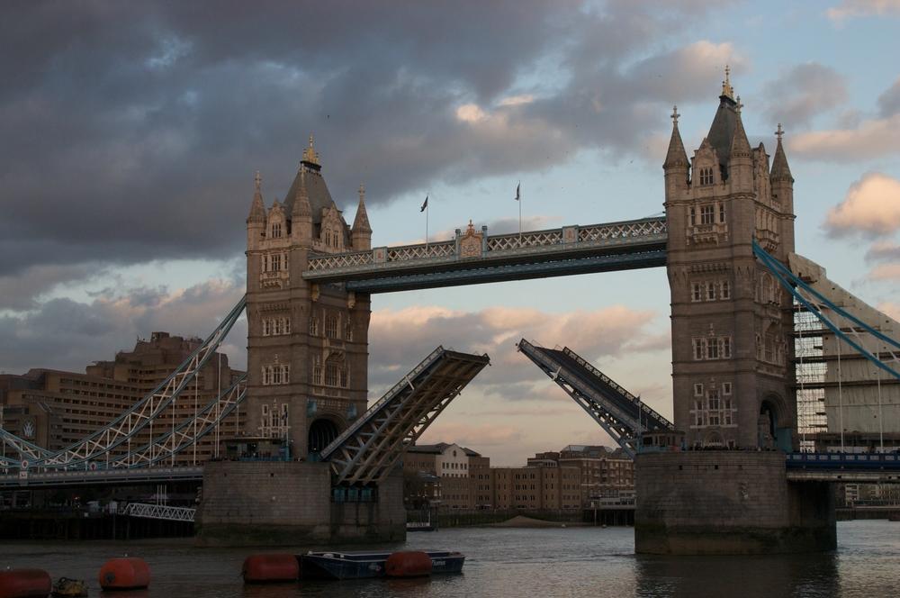 LondonBridge032009++2580+3-664452798-O.jpg