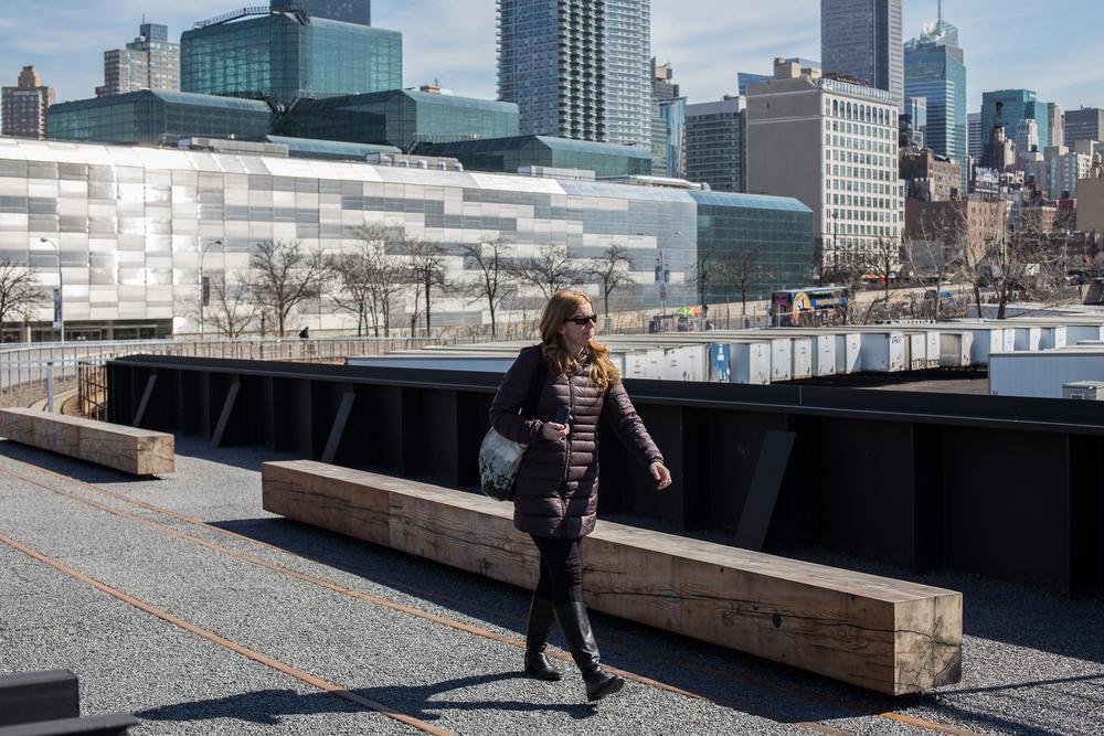 Justine walking the newly opened final leg of the High Line.