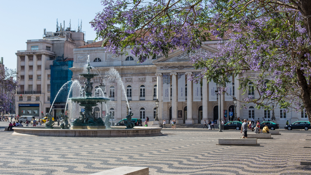 Figueira Square, the starting point once again for some exploration.