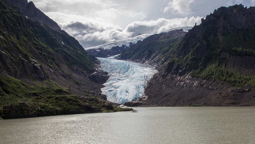 The full view of the Bear Glacier.