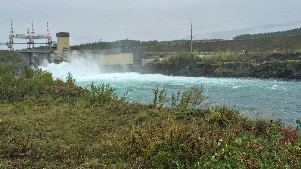 This is the dam the salmon have to get around.