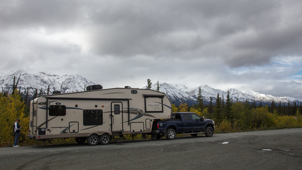 trailer kluane river