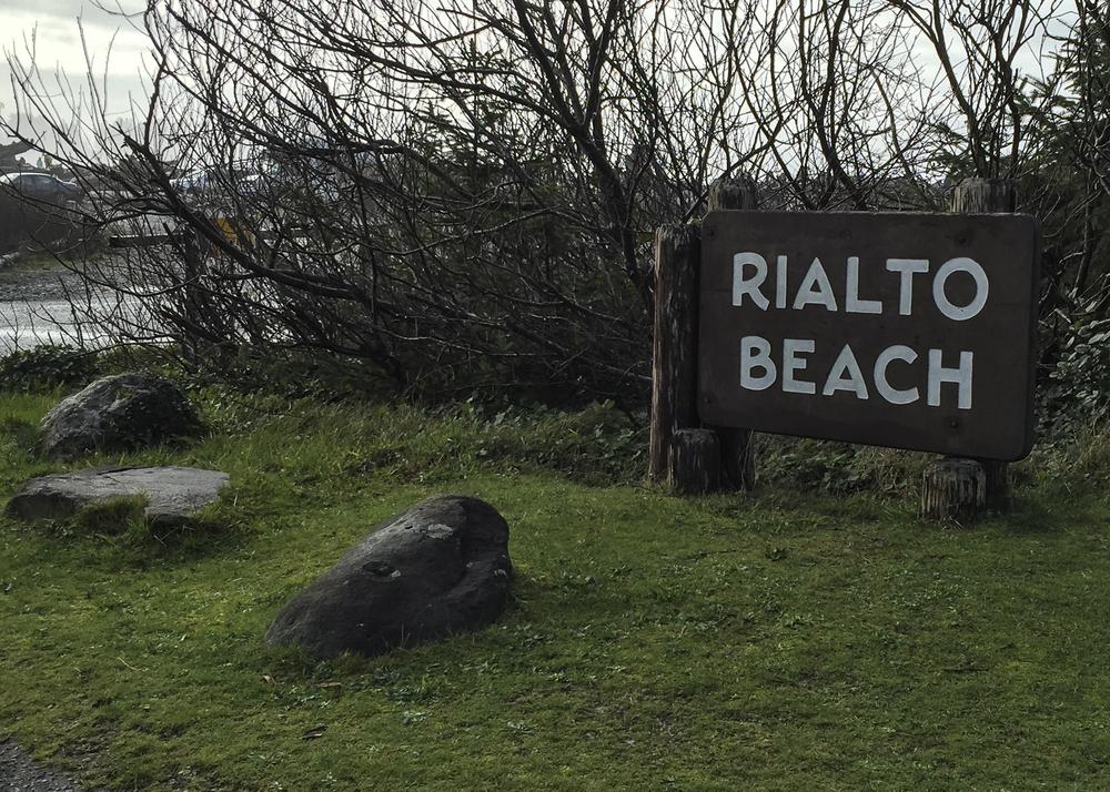 rialto beach sign