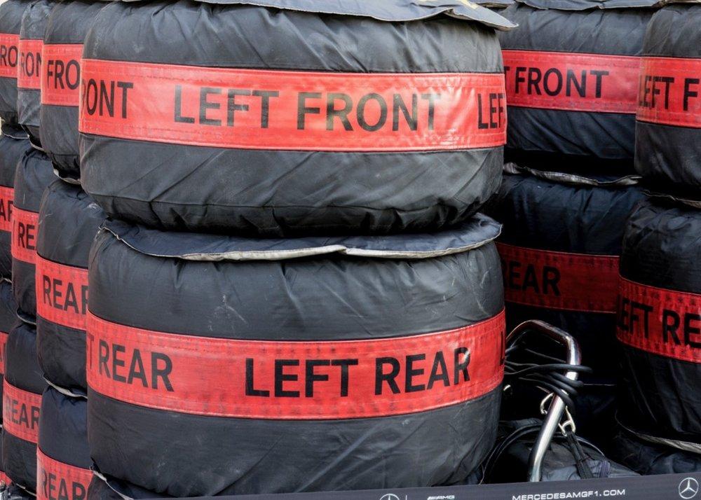 Abu Dhabi Grand Prix Pit Lane - 26.jpg