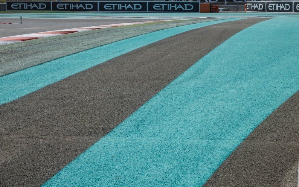 Abu Dhabi Grand Prix Pit Lane - 40.jpg