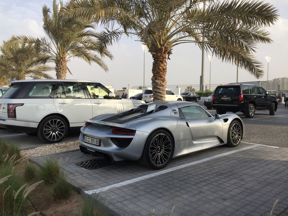 A Porsche 918 Hybrid in the Platinum parking lot.