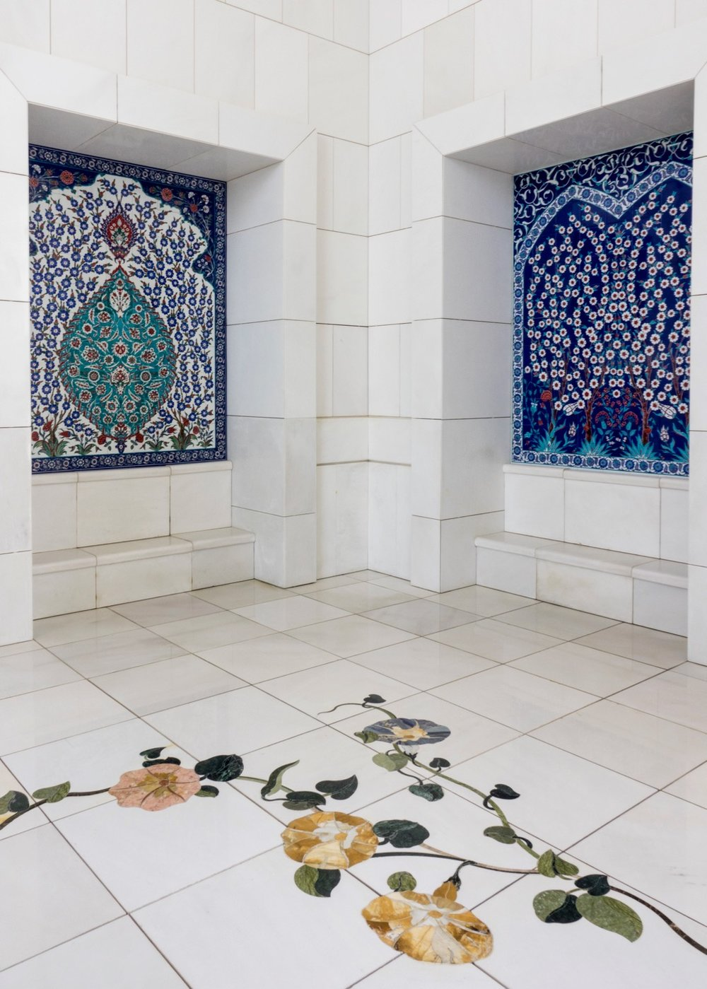 In many places throughout the mosque, there were mosaic works for decoration.