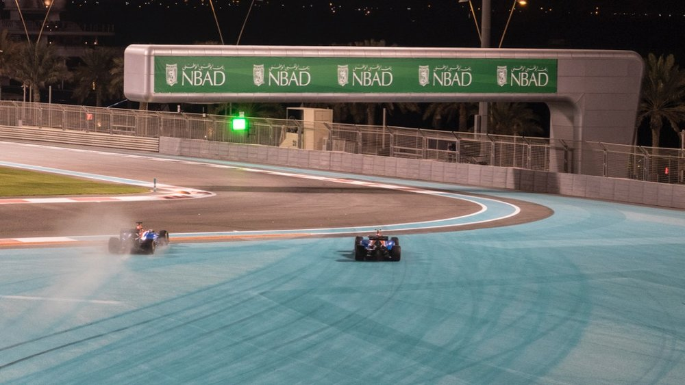...but they missed the chicane and ended up on the blue.