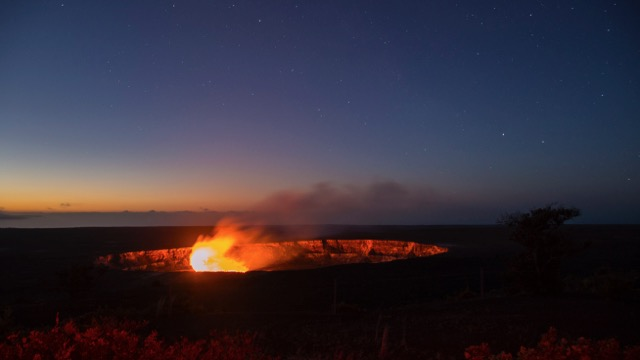 Sunrise at the Kilauea crater