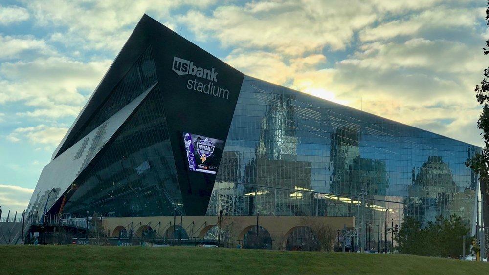 Minneapolis, MN - November 8-10